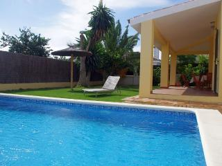 Comfortable Villa with Swimming Pool