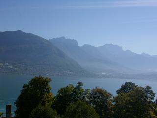 Studio vue panoramique sur le lac