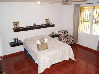 Air Conditioned Apartment in the heart of Cancun - JOC1