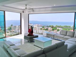 Penthouse Suite - 300 m2 - 3 large bedrooms super luxury with perfect seaviews
