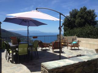Maison, vue exceptionnelle Mer & Montagne sauvage, Barrettali