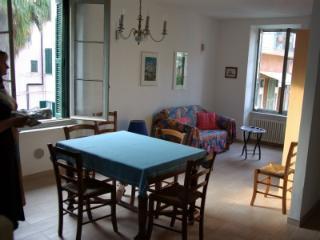 A pochi passi da spiagge, negozi e ristoranti/bar, Sanremo