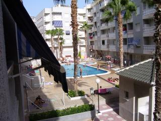 appartement 2 chambres clim piscine 6 couchages, Torrevieja