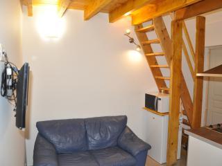 Confortable Studio à Paris-la-défense avec jardin, Nanterre