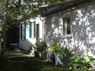 Family House nearest PARIS, Issy-les-Moulineaux