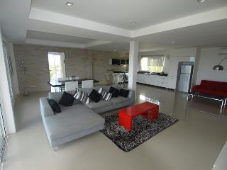 Lanta Loft Penthouse Apartment 4A