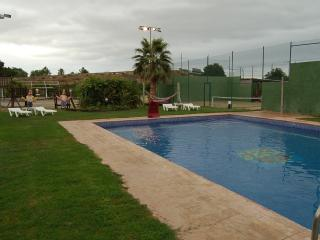 Casa con piscina/padel/futbol/WIFI, Cambrils