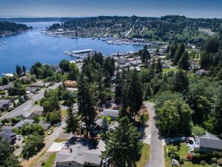 Harbor's Edge Gig Harbor Home - sleeps 6 - 2 BA