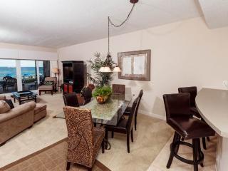 Sandy Key Condominiums 113