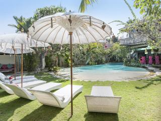 Best of Seminyak -beach and town -great for groups