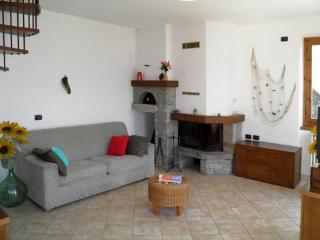 Casa Marta 8037, Dongo
