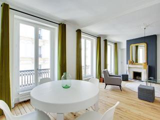 Superb architect apartment Paris/Marais P0414