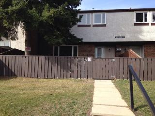 Freshly Renovated 3 BR townhouse., Edmonton