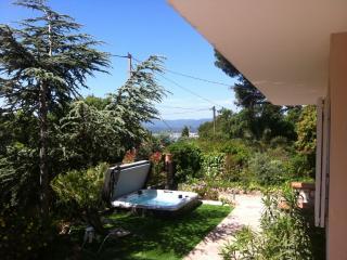 F3 dans villa avec jardin et SPA - centre ville