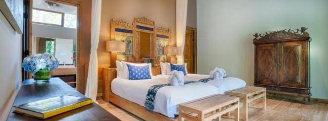 Vanna Sedi Twin Bedroom #3 (Wayang Suite)