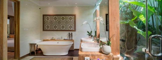 Emperor Suite Bathroom at Villa Vanna Sedi.  (#1 on Floor Plan)