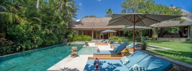 View from Pool Bale across to Mandalay and Wayang Suites, Villa Vanna Sedi