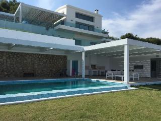 Rhodes Villa, Vlycha