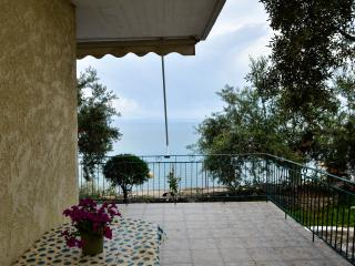 cross the garden and touch the sea!, Kalamata