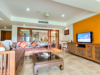 2 Bed Apartment - a Few mins walk to Naiharn Beach