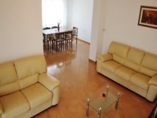 Large 3 bedroom apartment, Rovinj