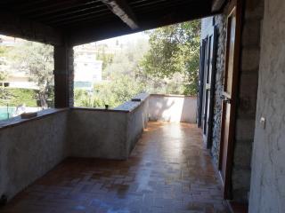 Appartement dans belle villa