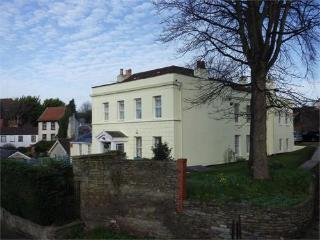 Garden maisonette, 2 bedrooms, parking, Bristol