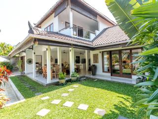Amazing Villa Ketemu Prime Location
