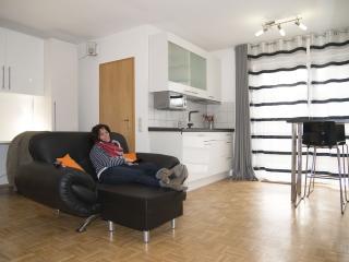 Voll möbliertes Appartement mit Garten in Mainz