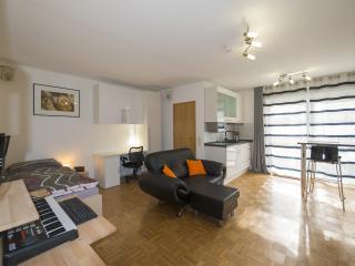 Voll mobliertes Appartement mit Garten in Mainz