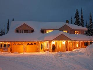 Knight Star Lodge - 6 Bedroom - 6.5 Bathroom Slope Facing Chalet