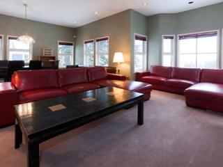 Henk's Haven - 4 Bedroom - 3.5 Bathroom Facing The Ski Lift - Pet Friendly