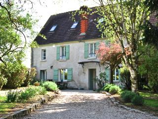 18th Century Cottage 1 hour from Paris
