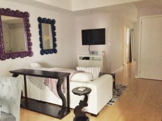 CHIC. HUGE. Renovated Home. Heart of NYC (4br2ba), Nueva York
