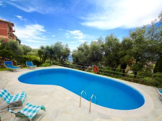 MIMOSA 2BR-pool&sea view by KlabHouse, Santa Margherita Ligure