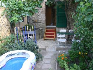 Eco-Gîte avec terrasse ombragée Gard entre Cévennes et Mer Méditerranée 4 à 6 p