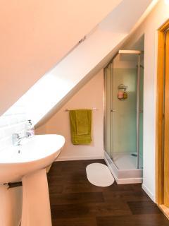 La Belle Grange twin bedroom en suite shower room