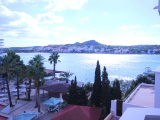 Fabulous seas edge studio apartment, Santa Ponsa