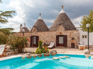 Villa Anna –  with splash pool– sleeps 8, Ostuni