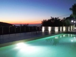 Spazioso quadrilocale in villa vacanze con 8 pl