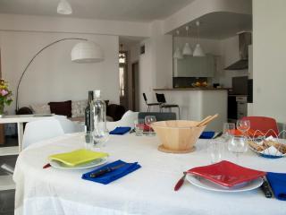 Bel appartement intramuros, Avignon