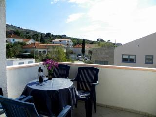 Villa Dolores - One Bedroom Apartment with Balcony, Murter