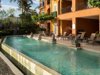 Beautiful 2BR oceanview condo- custom kitchen, shared pool  (HOR206), Tamarindo