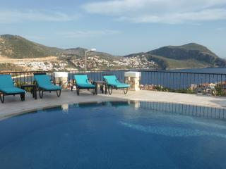 Villa Meltem . Kalkan. Heated Pool. All ensuite.