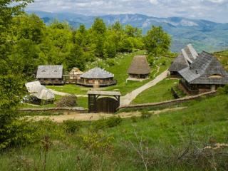 Raven's Nest, authentic rural life in Transylvania, Salciua