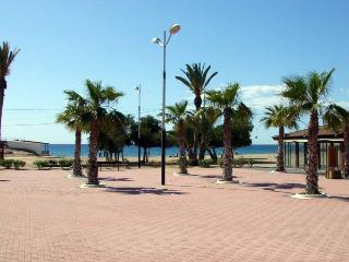 Antonia 2B only 200m from the beach and shops