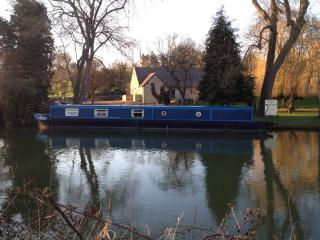 Beautiful Narrow Boat Home, Foxton