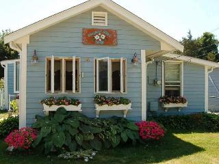 Moonflower Beach Cottage on Muddy Cove!!!!, Wareham