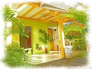Coco Bungalows 5 bungalows petillants de couleurs