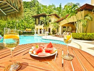 Amazing Tropical Luxury Home with jungle view & privacy at Los Sueños!, Herradura